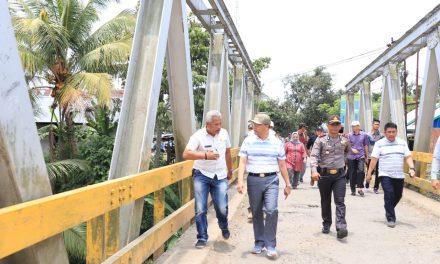 Kunjungan Kerja, Gubernur Mengecek Jalan dan Jembatan Pasca Banjir