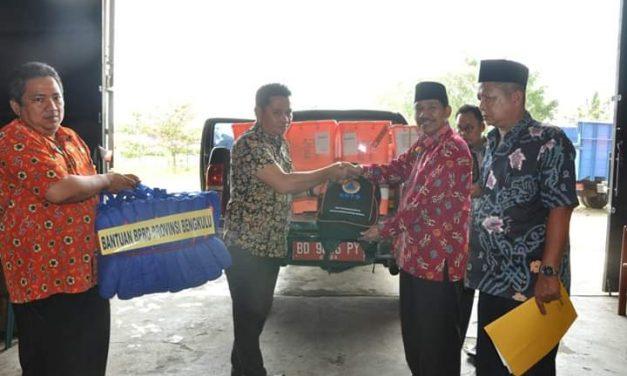 BPBD Provinsi Serahkan Bantuan Banjir Seluma