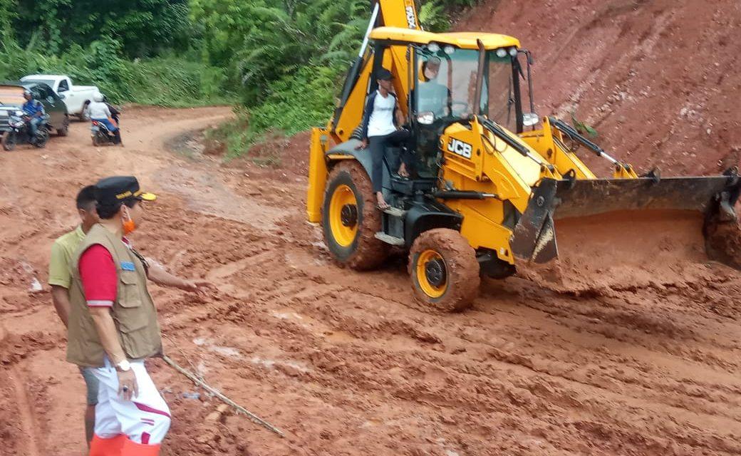 Longsor Desa Penum, BPBD Bersama PUPR Provinsi Turunkan Alat Berat