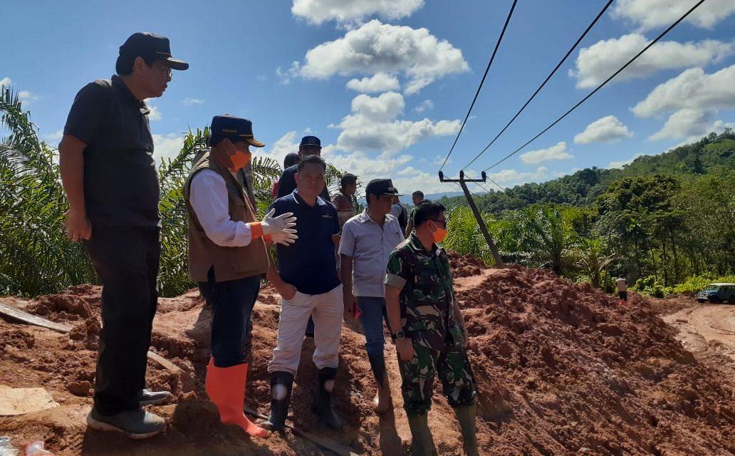 BPBD Provinsi Bengkulu Tanggulangi Bencana Longsor  //Turunkan Alat Berat ke Lokasi Bencana